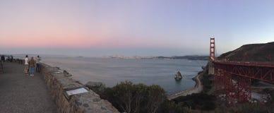 Opiniones de la tarde de Golden Gate Park del centro @ san Francisco California del visitante fotos de archivo libres de regalías