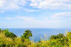 Opiniones del mar de las montañas de Kamala, Phuket en Tailandia Foto de archivo libre de regalías