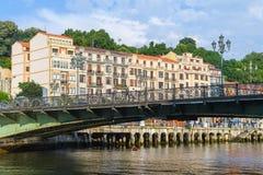Opiniones del riverbank de Bilbao el día soleado fotografía de archivo libre de regalías