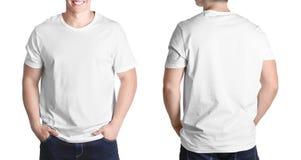 Opiniones delanteras y traseras el hombre joven en camiseta en blanco fotografía de archivo