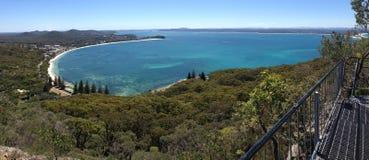Opiniones escénicas de la bahía del bajío de Mt Tomaree, Australia Fotos de archivo libres de regalías