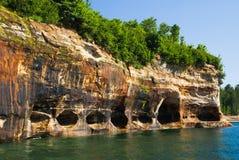Opisany Rockowy Krajowy Jeziorny brzeg, Michigan, usa Obrazy Royalty Free