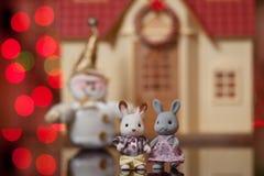 Opmerkelijk paar stuk speelgoed hazen Royalty-vrije Stock Afbeelding
