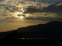 Opmerkelijke wolkenvorming tijdens zonsondergang Stock Foto