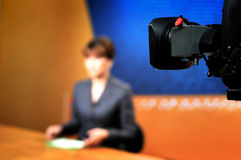 Opname in de studio van TV voor NIEUWS Stock Foto