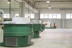 06 08 2015 opon refabrished fabryczna WILCZA opona Zdjęcie Stock