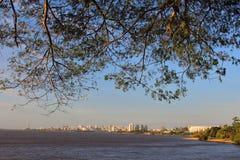 Oporto Alegre Skyline, el Brasil Fotos de archivo