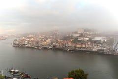 Oporto en niebla de la mañana Fotos de archivo libres de regalías