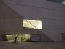 Oporto hus av musik på natten Fotografering för Bildbyråer