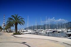 Oporto Montenegro Porticciolo dell'elite di Teodo nel Montenegro, i Mediterranei che conducono il homeport dell'yacht ed il villa Immagini Stock Libere da Diritti