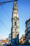 OPORTO, PORTOGALLO - OTTOBRE 20,2012: Torre di Clerigos (DOS Cle di Torre Fotografie Stock