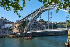 Oporto, Portogallo, Ponte Luis I, vecchia città fotografie stock libere da diritti