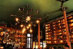 Beautiful and vintage restaurant in Oporto