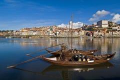 Oporto vinfartyg på den Douro floden Arkivbilder