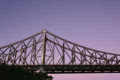 Opowieść most przy nocą Zdjęcia Royalty Free