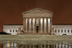 Opperst hof gelijkstroom Washington bij nacht stock foto's