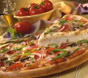 Opperste Pizza royalty-vrije stock afbeeldingen