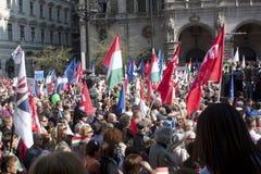 Oppositiondemonstration i Budapest Royaltyfria Foton