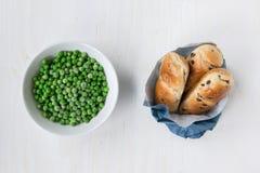 Opposto: non sano contro alimento sano Fotografia Stock