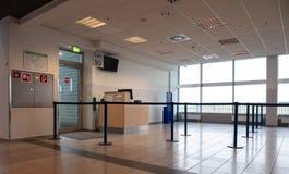 Opróżnia bramę przy lotniskiem Zdjęcia Royalty Free