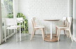 opróżnia krzesła w restauraci Obraz Royalty Free