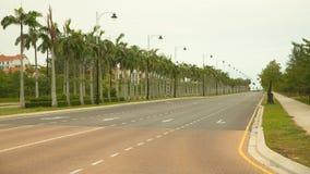 Opróżnia nową budowy ulicę w Gorącej lato pogodzie, Miri Borneo Malezja Fotografia Stock