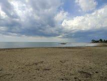Opróżnia plażę w Cambrils Hiszpania fotografia stock