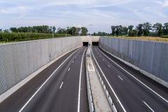 Opróżnia ruchu drogowego tunelu wejście Zdjęcia Stock