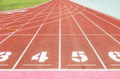 Opróżnia sportową bieg śladu pasów ruchu teksturę z liczbą Zdjęcie Royalty Free