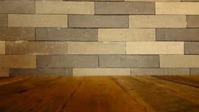 Opróżnia wierzchołek drewnianej podłoga i kamiennej ściany tło Zdjęcie Royalty Free