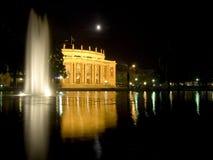 opéra Stuttgart de nuit de maison Photographie stock libre de droits