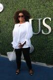 Oprah Winfrey asiste al partido 2015 del tenis del US Open entre Serena y Venus Williams Fotografía de archivo