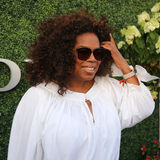 Oprah Winfrey assiste à la correspondance 2015 de tennis d'US Open entre Serena et Venus Williams Photographie stock libre de droits