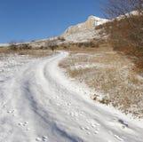 Oprawiająca droga jest w górach Zdjęcia Stock