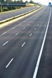 Opróżnia 8 pasów ruchu autostradę należną drogowe i bridżowe pracy Zdjęcie Stock
