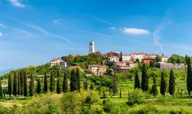 Oprtalj - идилличный маленький город на холме в центральном Istria Стоковое Изображение RF