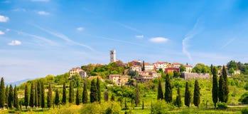 Oprtalj - idyllische Kleinstadt auf einem Hügel in zentralem Istria Lizenzfreies Stockfoto