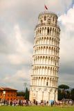 oprzeć wieżę w pizie Obraz Royalty Free