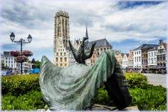 Opsinjoorke lali Latająca statua w Mechelen, Belgia Obrazy Stock