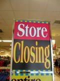 Opslag Sluitend teken binnen Honolulu Van de binnenstad Macy Stock Foto