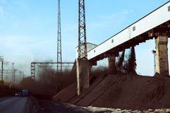 Opslag van steenkool in voorraad Stock Foto's