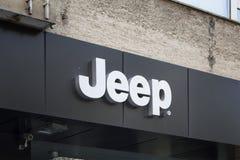 Opslagsignage van een Amerikaans automobiel merk stock foto