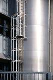 Opslagtank met ladder Stock Afbeeldingen
