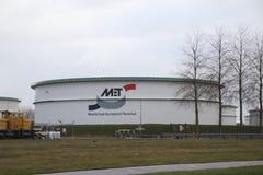 Opslagtanks van de Terminal van Maatschap Europoort bij de Europort-haven stock afbeeldingen