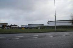 Opslagtanks van de Terminal van Maatschap Europoort bij de Europort-haven stock afbeelding
