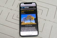 Opstelling op iPhone X 10 met internetsite dpreview Stock Foto