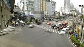 Opstopping in de Bezige Stad Timelapse van Bangkok stock footage