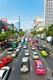 Opstopping tijdens spitsuur in Bangkok Royalty-vrije Stock Foto's