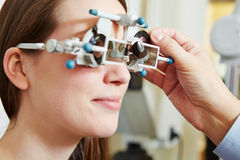 Optician determing prescription Stock Photography