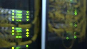 Optiksteckerschnittstelle der Faser Informationstechnologie-Computernetzwerk, Telekommunikations-Faser-Lichtleiterkabel angeschlo stock video